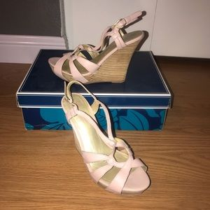 Seychelles pink and tan wedges